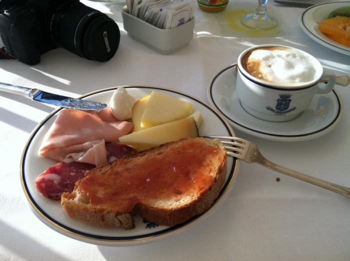 breakfast amalfi
